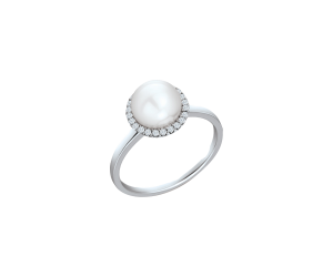 Classic Pearl Ring With Diamonds
