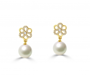 Flower With Fresh water Pearl earring